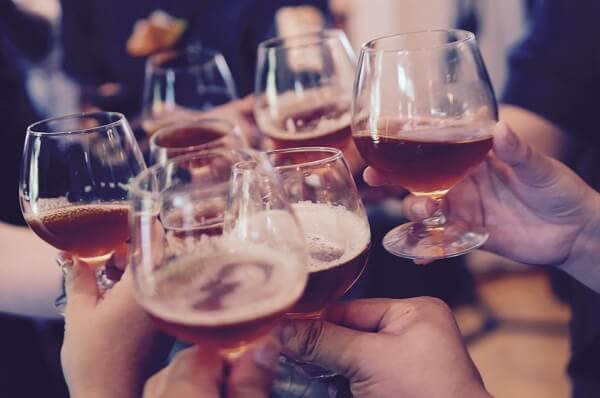celebrar cumpleaños de bares