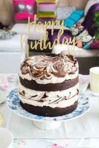 Pastel de cumpleaños de merengue